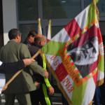 Лютаков със знамето